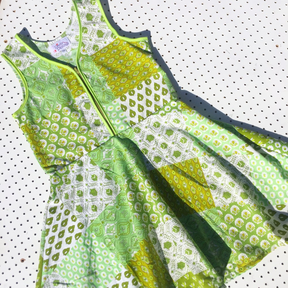 Image of Size 10 vintage twirl dress - green patchwork