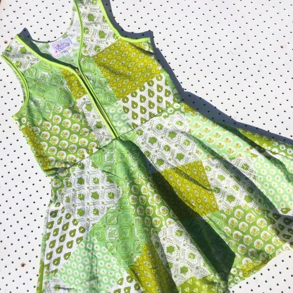 Image of Size 10 vintage twirl dress - green patchwork