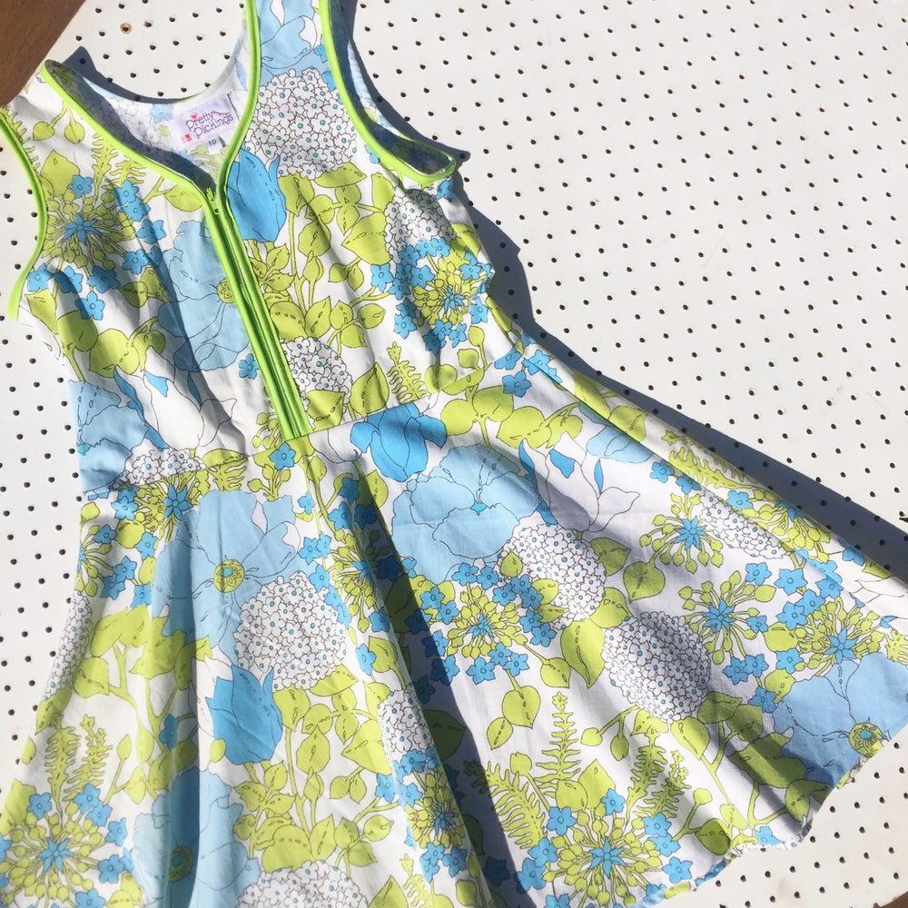 Image of Size 10 vintage twirl dress - garden love