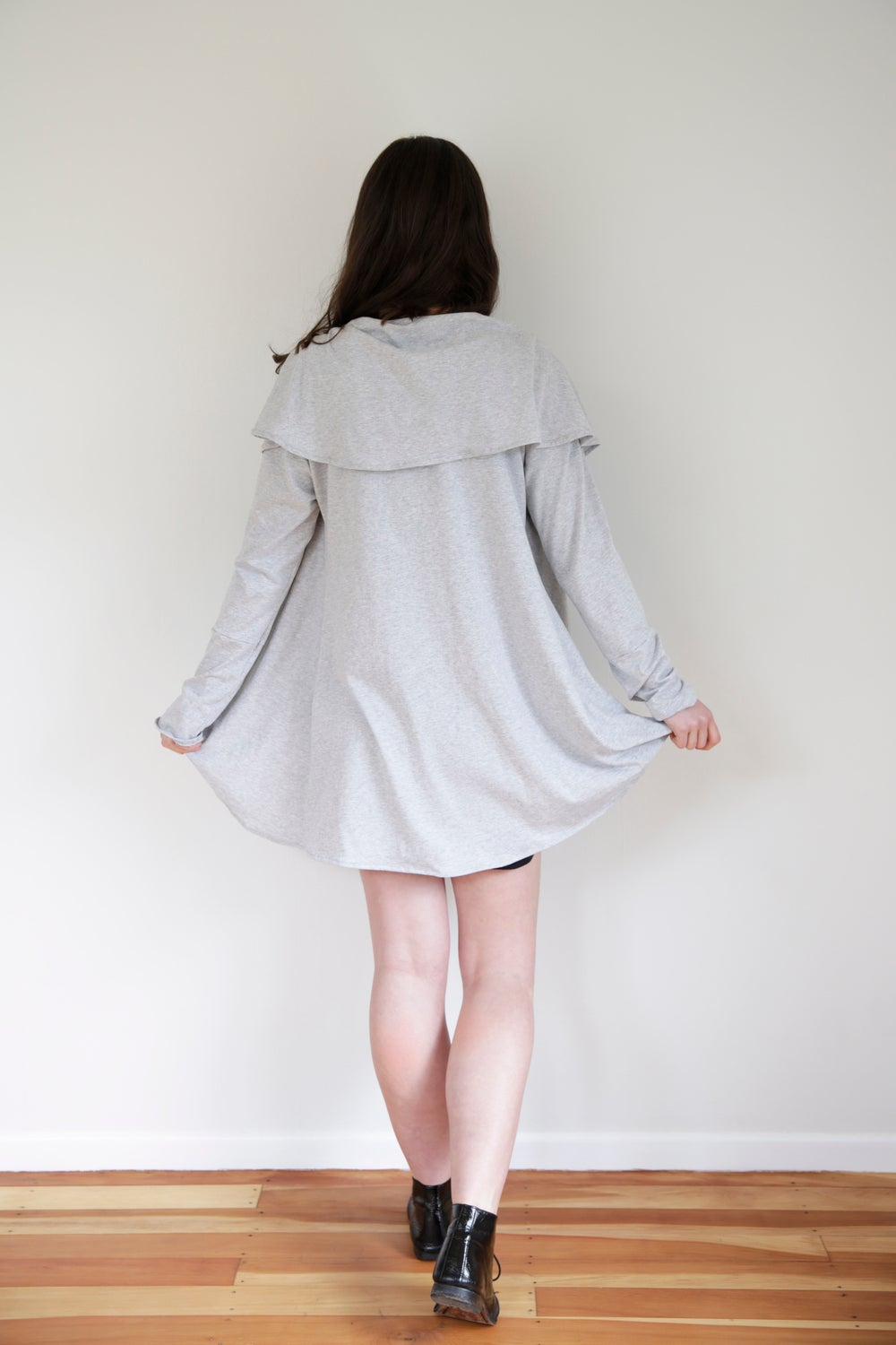 Image of The Tōkotsu Cape - Organic Grey Marl Cotton