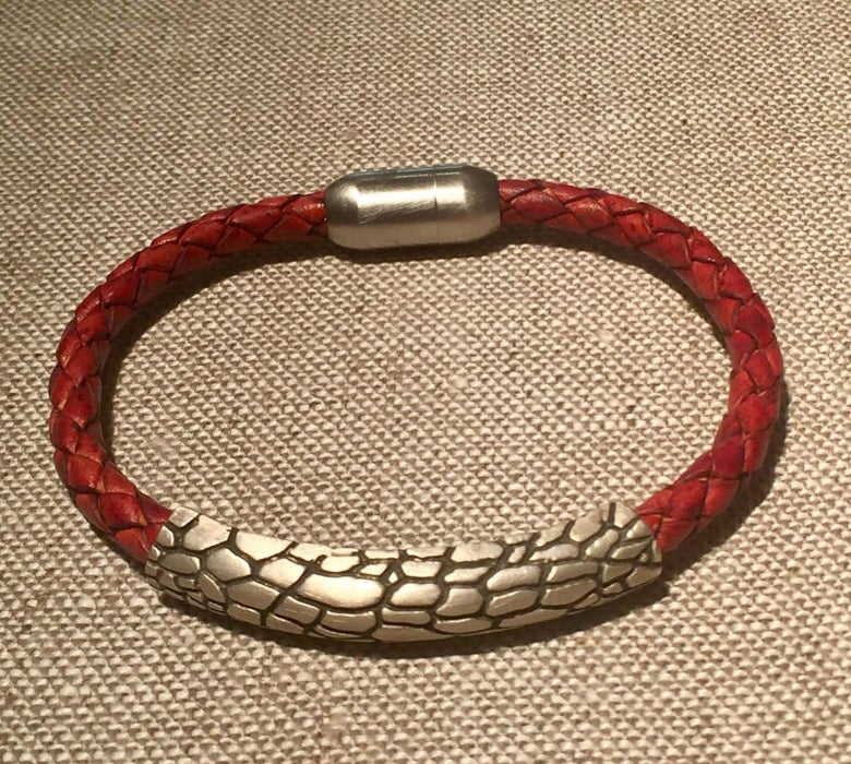 "Image of Animal Texture bracelet ""lizard"" print"