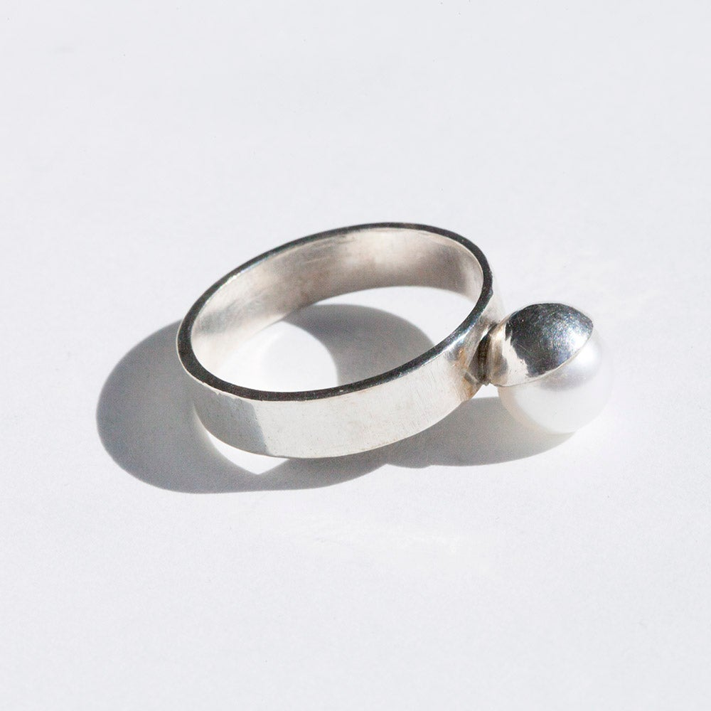 Image of Silver Pearl Ring