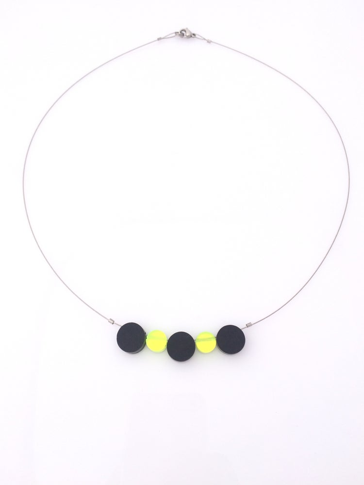 Image of Náhrdelník / Necklace Black - fluorescent green