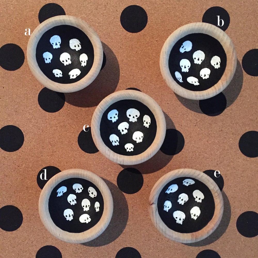 Image of skully ring bowls