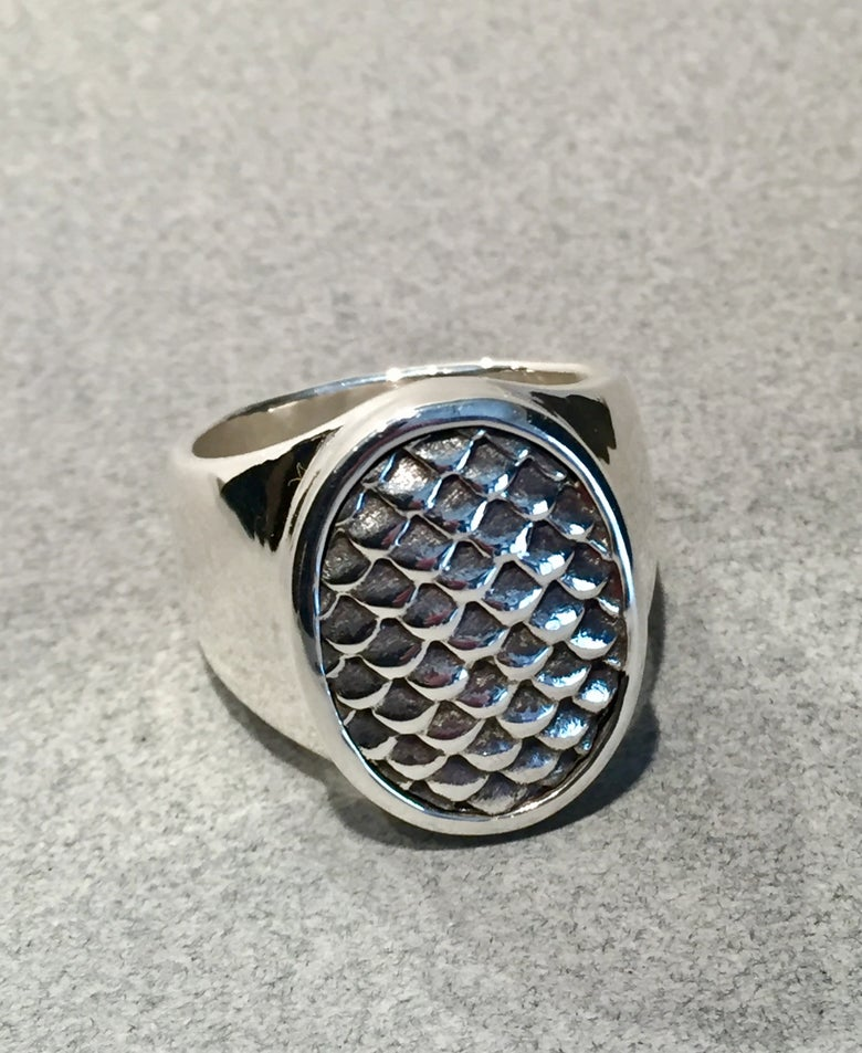 Image of Mens pattern ring - scales