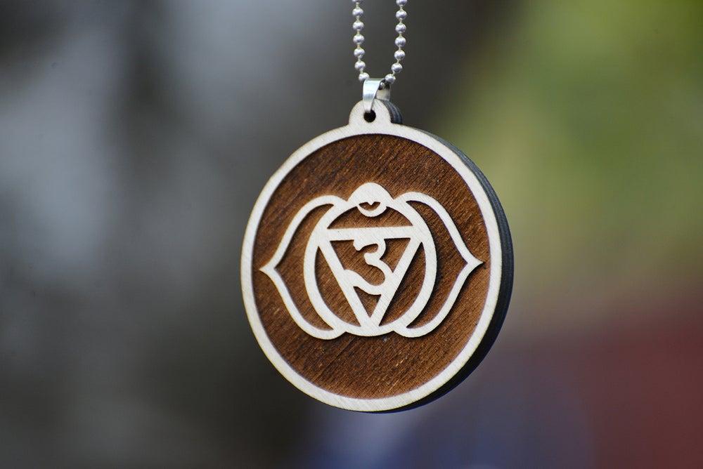 Image of Third-Eye Chakra Wood Pendant Raster