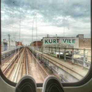 Image of Kurt Vile View by Jessica Kourkounis