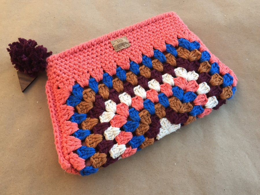 Image of Lorene Clutch Color Combinations