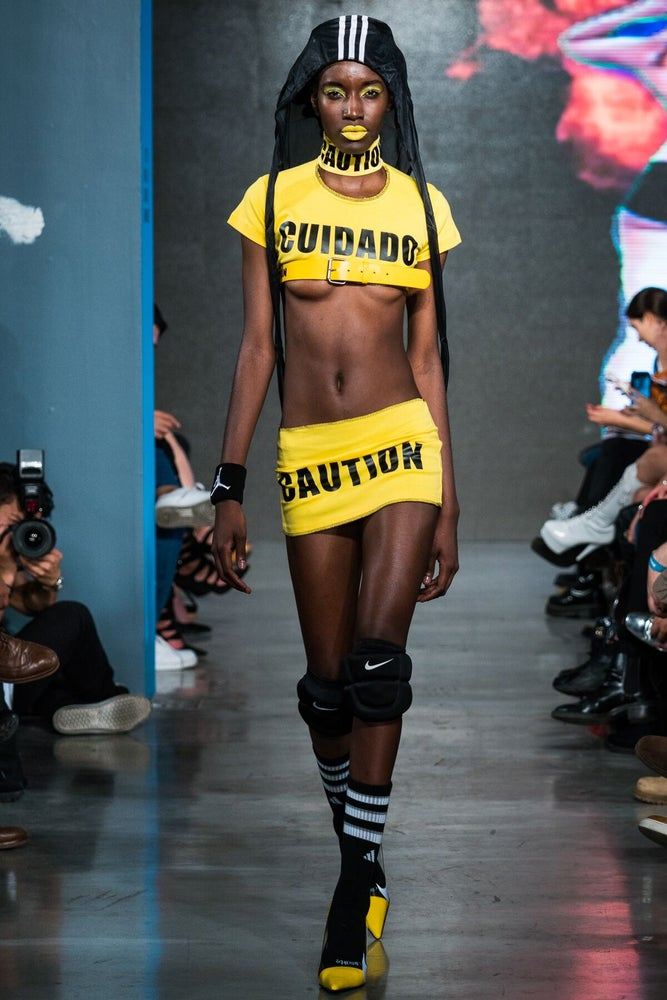 Image of Cuidado caution 2 piece