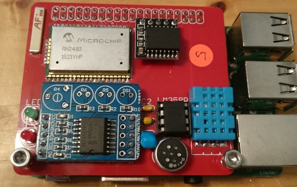 Image of LoRaWAN radio and sensor board for Raspberry Pi