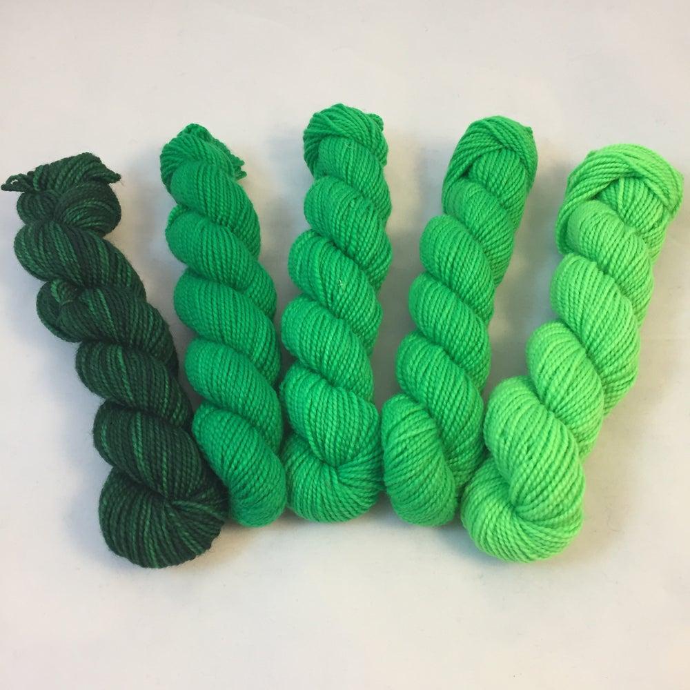 Image of April's Greens: Mini Shawl Set Gradient, Warm Heart, 100 gms