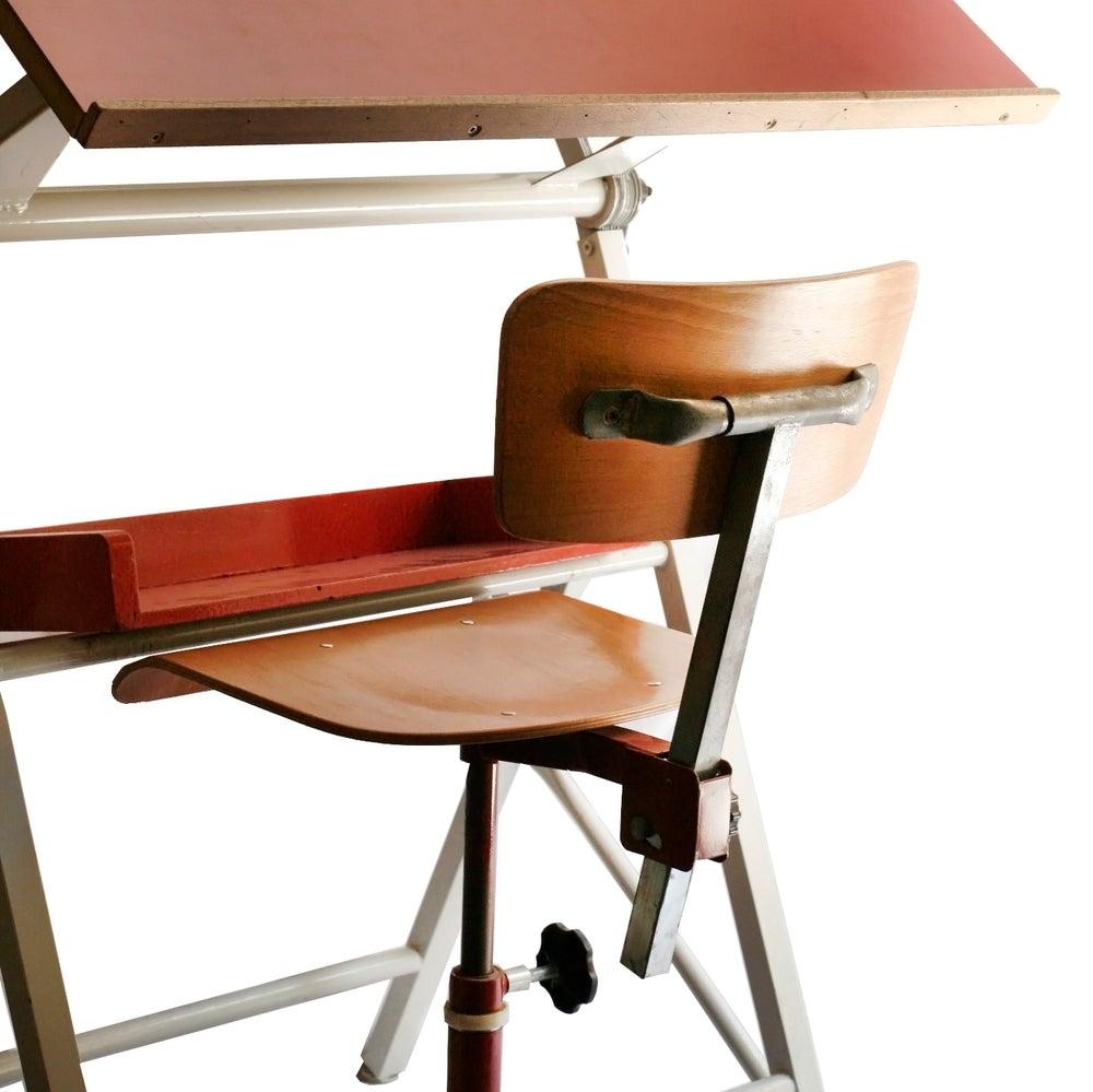Image of Mesa diseño roja 70'