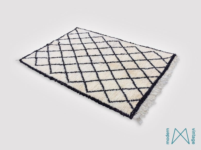 Image of Vintage Original Beni Rug Small Black Triangles