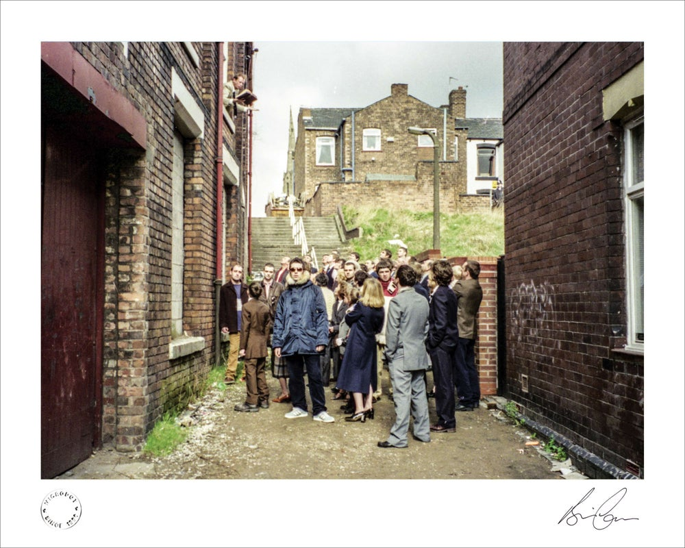 Image of Oasis 'D'You Know What I Mean?' Sleeve Out Take Print