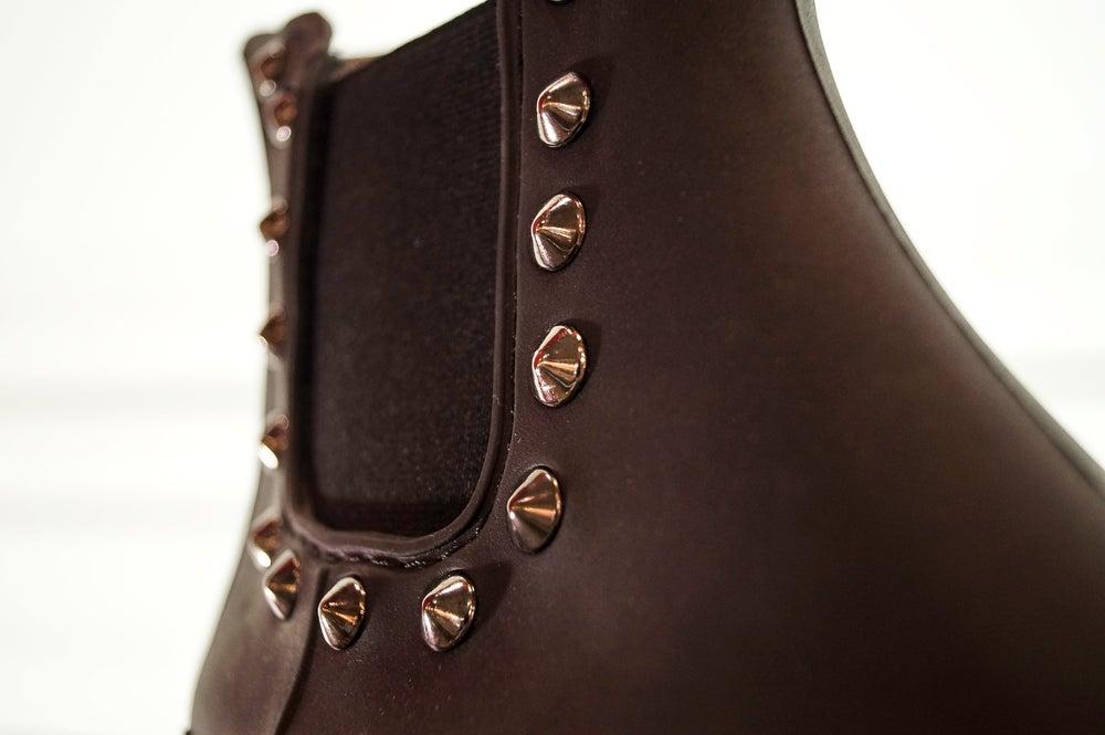 Image of Spiky medium black nízké