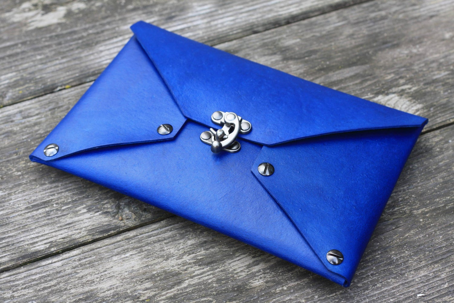 Image of Envelope Clutch in Hand-Dyed Vegtan
