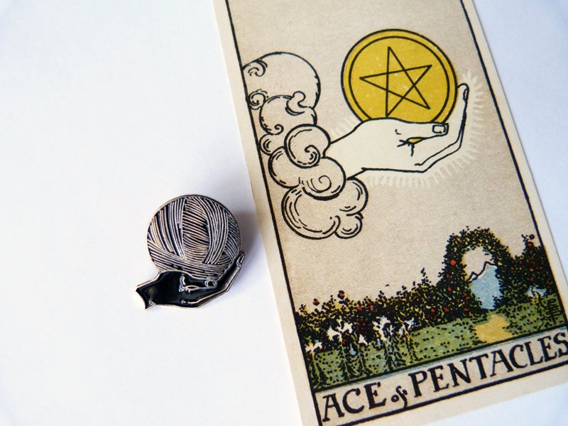 Image of Ace of Knits limited enamel pin