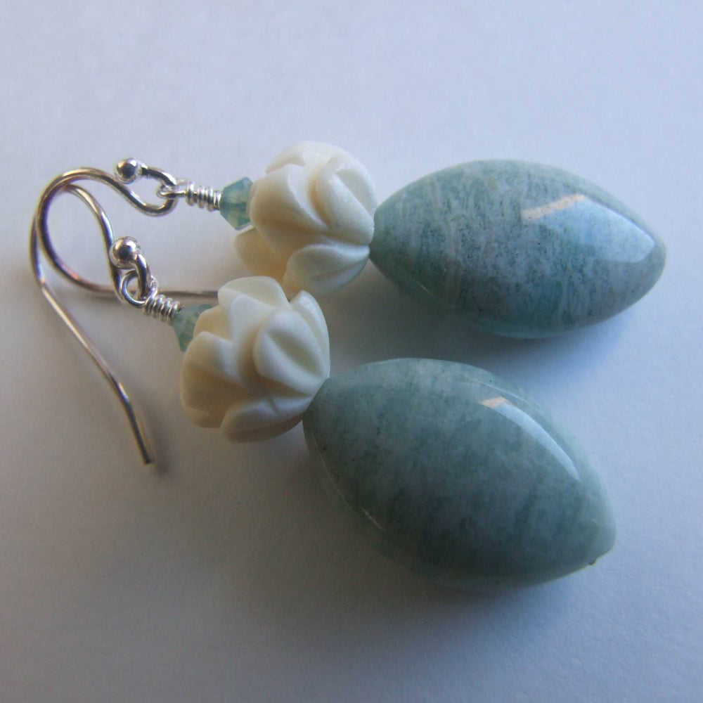 Image of Water Lillies Earrings
