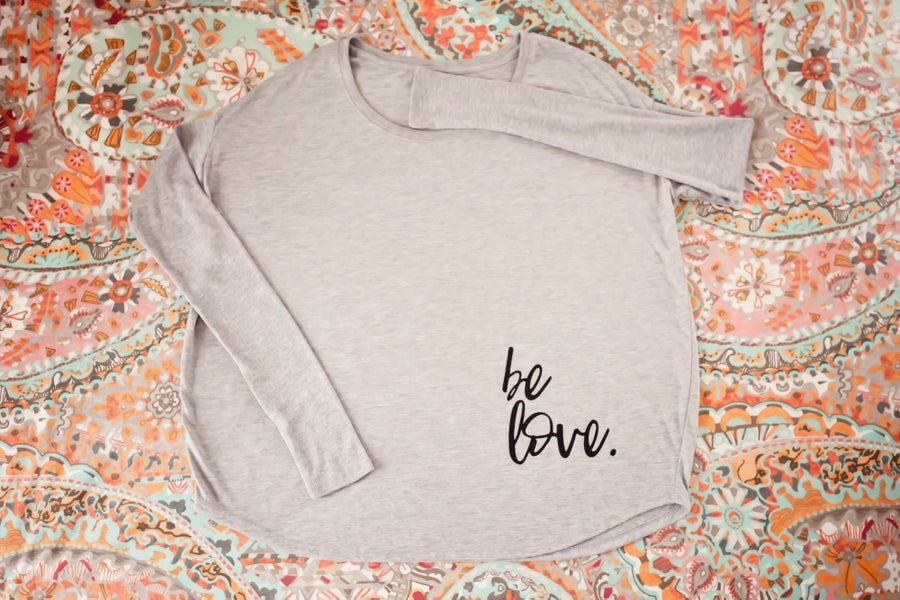 Image of Be love women's tees