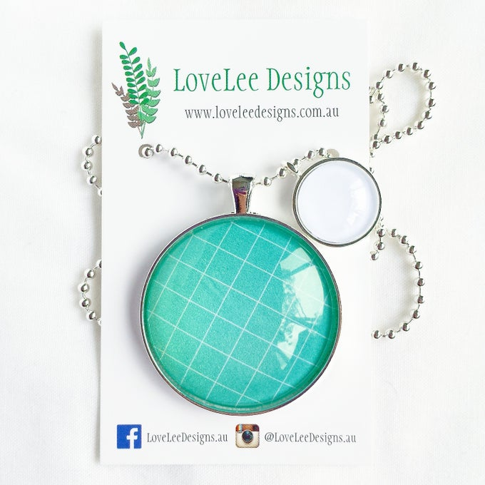 Image of 1.5inch pendant - sea green grid