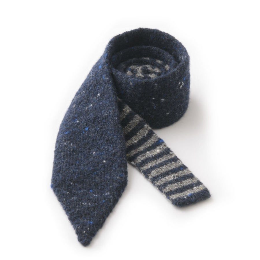 Image of Soft Tweed Tie with Stripe in Navy