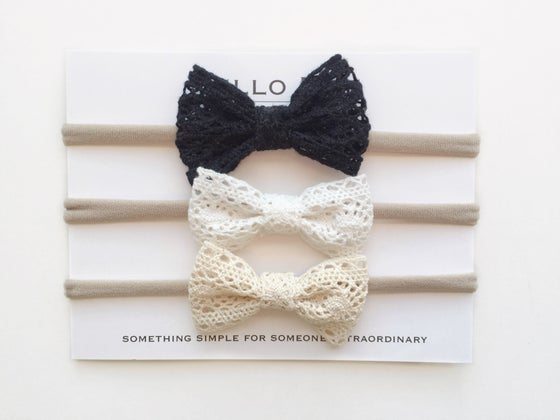 Image of Mini Lace Bow