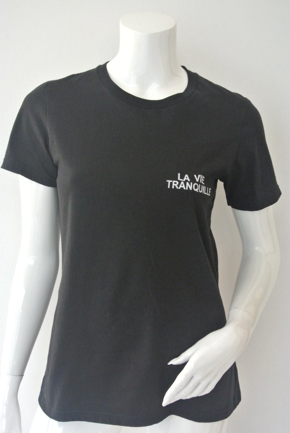 "Image of T-shirt 'la vie tranquille"""