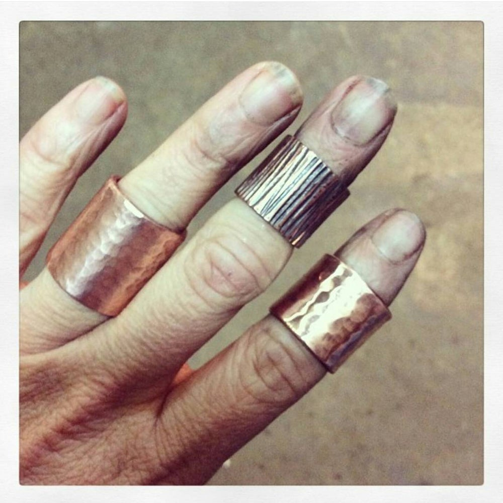 Image of Hammered copper midi rings