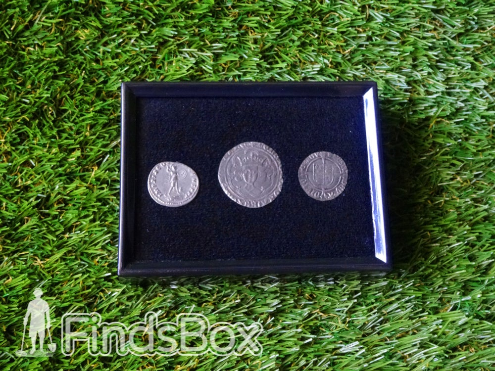 Image of Metal Detecting Finds - Display & Protect Set