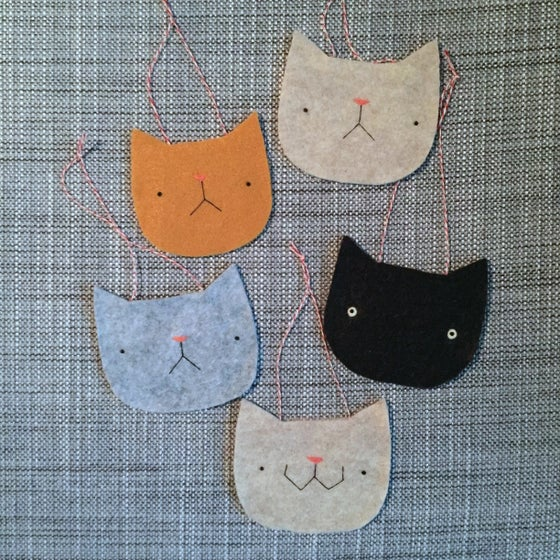 Image of cat head ornaments (ready-to-ship!)