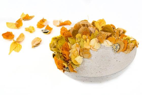 Image of Lichen - Large cloth + concrete bowl