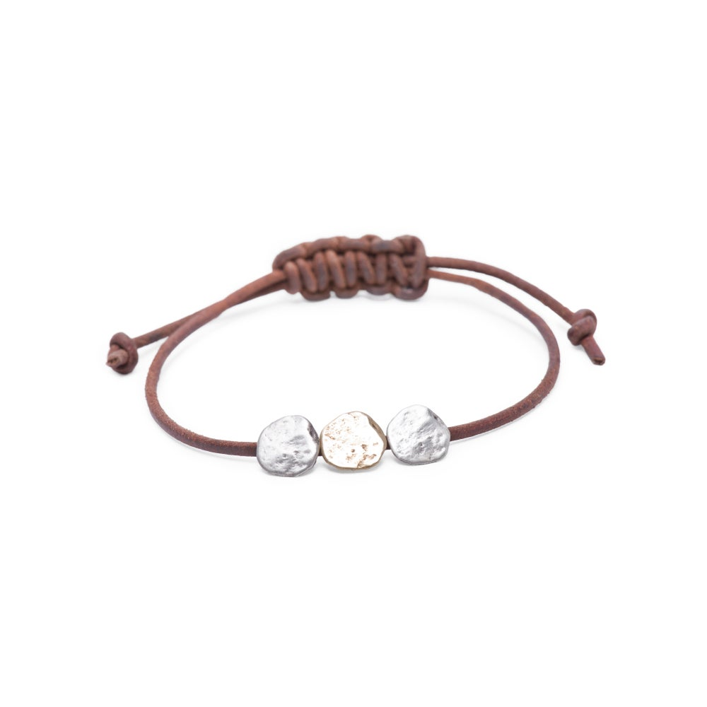 Image of Maine three-rock bracelet on adjustable leather (B24SILBRA)