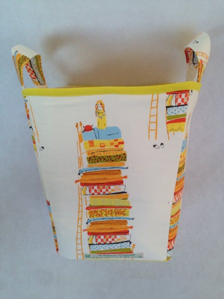 Image of 'Princess and the Pea' Box Bag