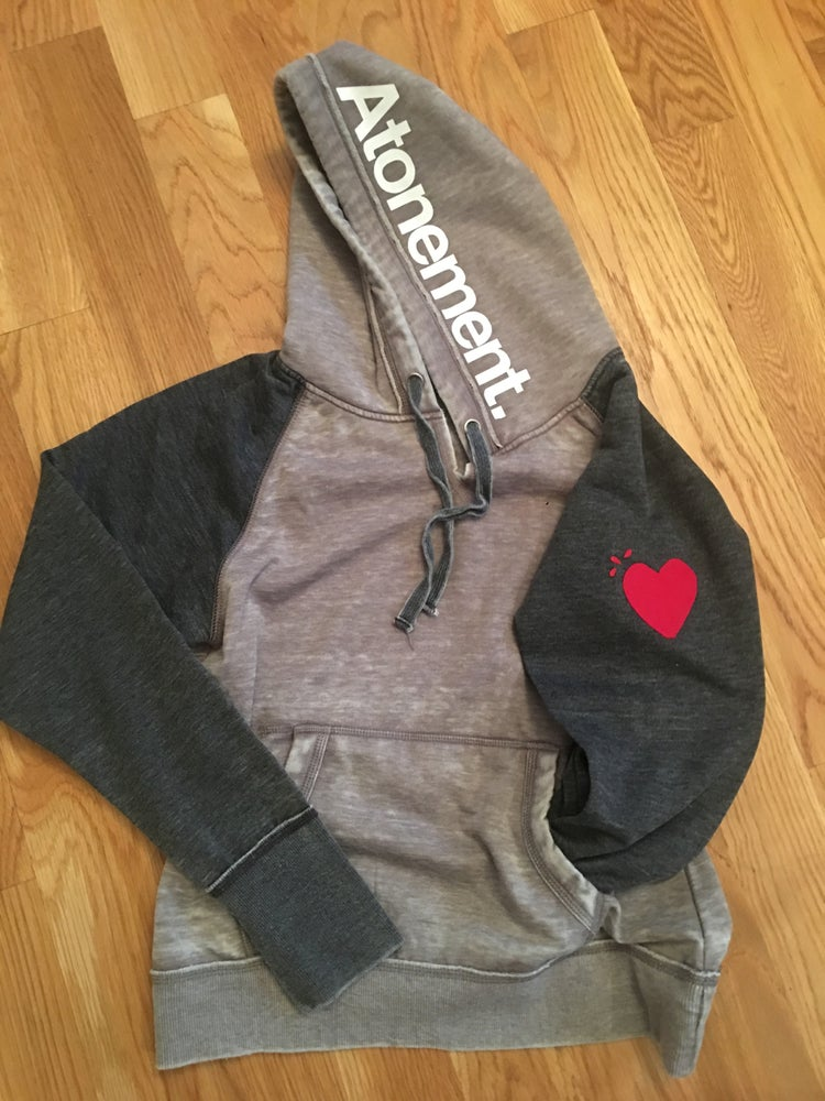 """Image of The """"Heart On My Sleeve"""" Two-Toned Pullover"""