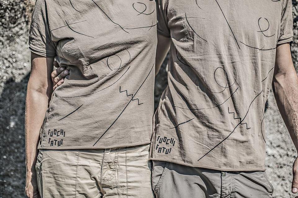 Image of T-shirt 2016 - Uomo/Donna