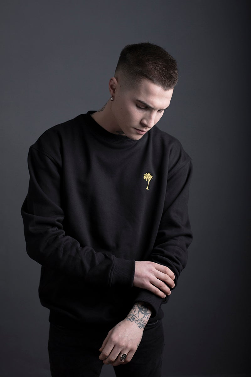 Image of SWEATSHIRT / BLACK / MAN