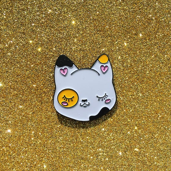 Image of Cutie Pie Calico Cat pin