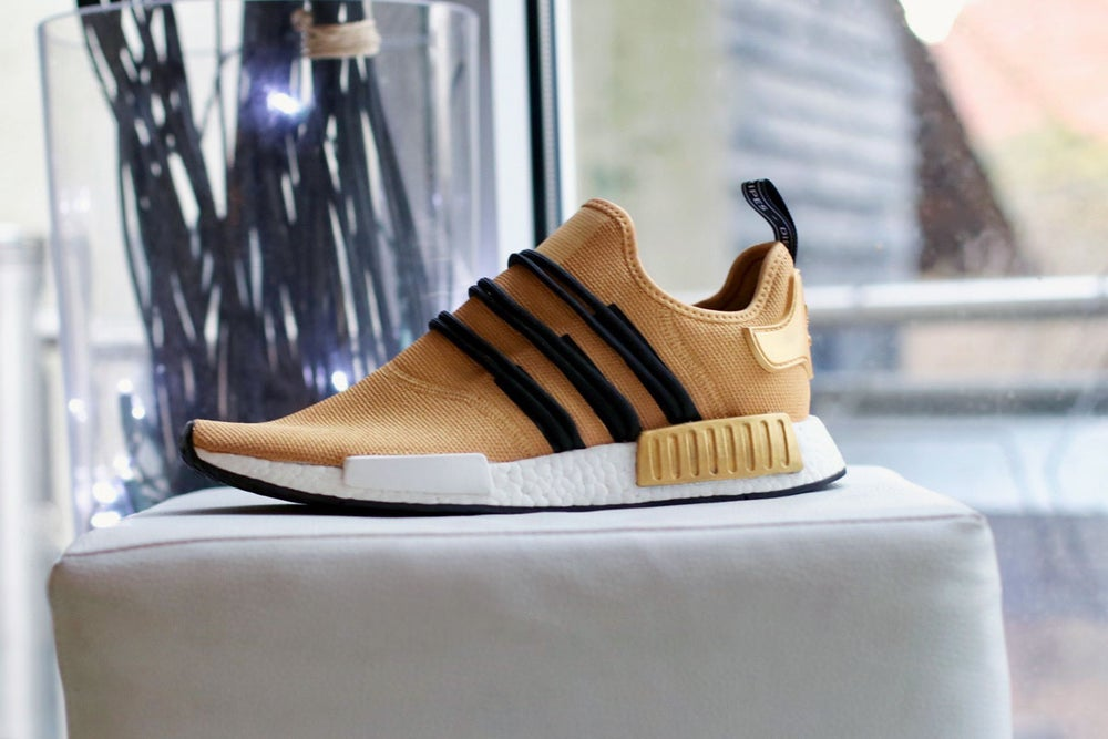 Image of NMD R1 golden Cloudwalker