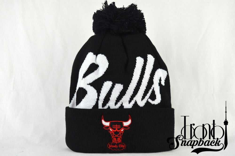 Image of CHICAGO BULLS WINDY CITY SCRIPT MITCHELL & NESS BEANIE