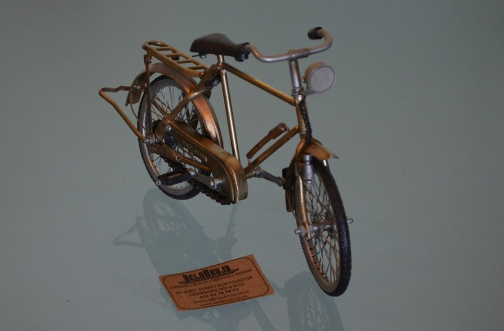 Image of Vintage Style Tourer Bicycle Model