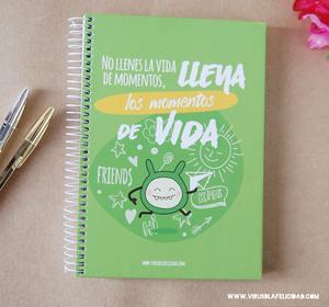 """Image of Libreta """"No llenes la vida de momentos"""""""