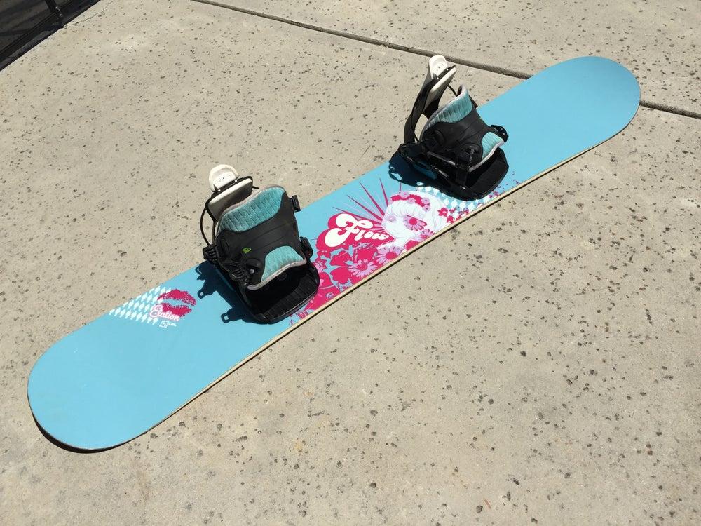 Image of Flow 151cm Women's Snowboard with Flow med bindings