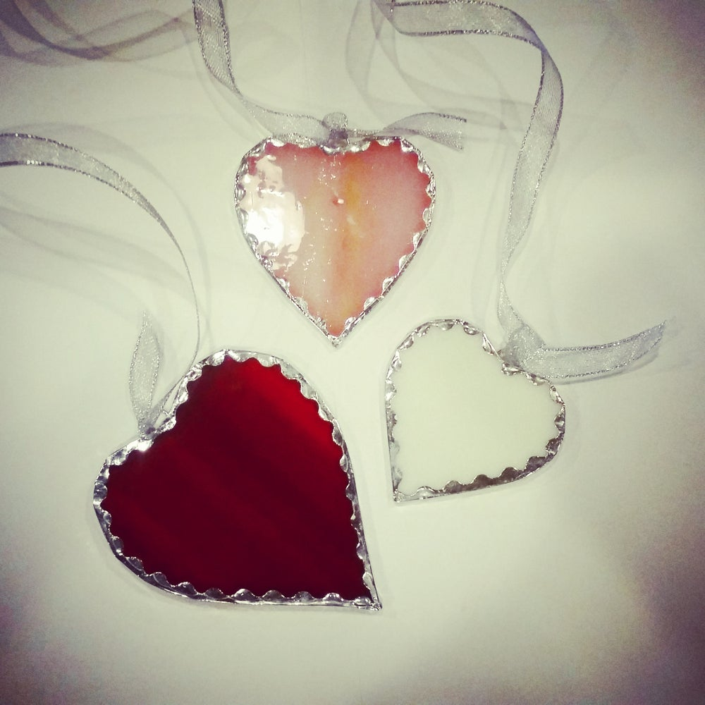 Image of Scalloped Glass Heart Set