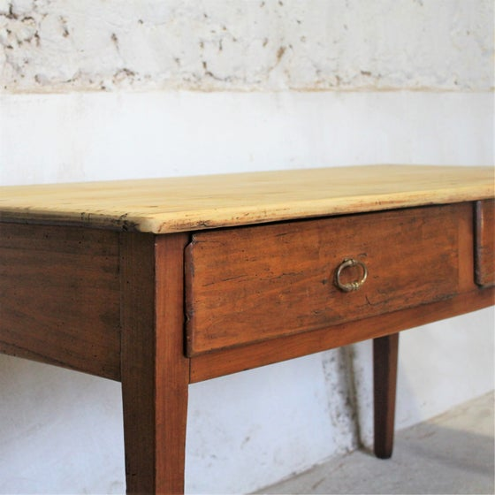 Image of Bureau ancien en noyer