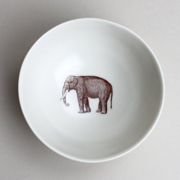 Image of roly poly bowl with elephant, ivory
