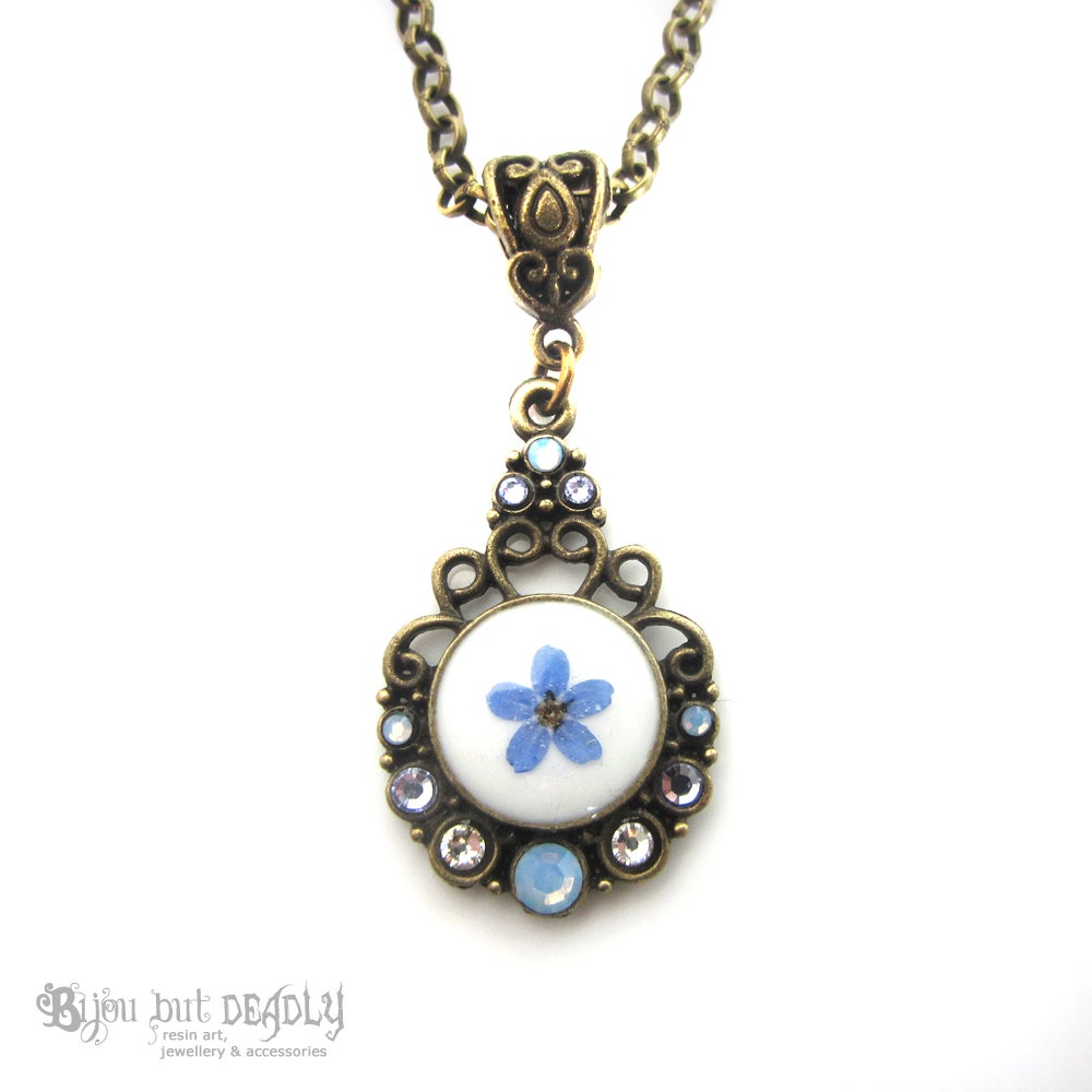 Bijou but deadly forget me not single pressed flower cameo pendant image of forget me not single pressed flower cameo pendant aloadofball Choice Image