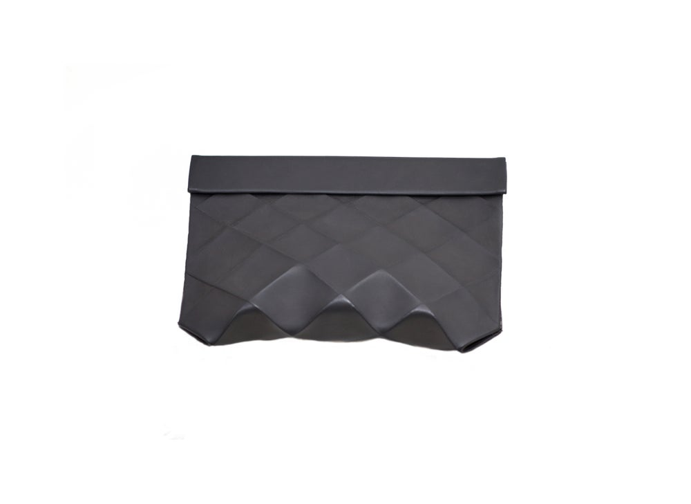 Image of CLUTCH IN ECO LEATHER BLACK - SIZE M