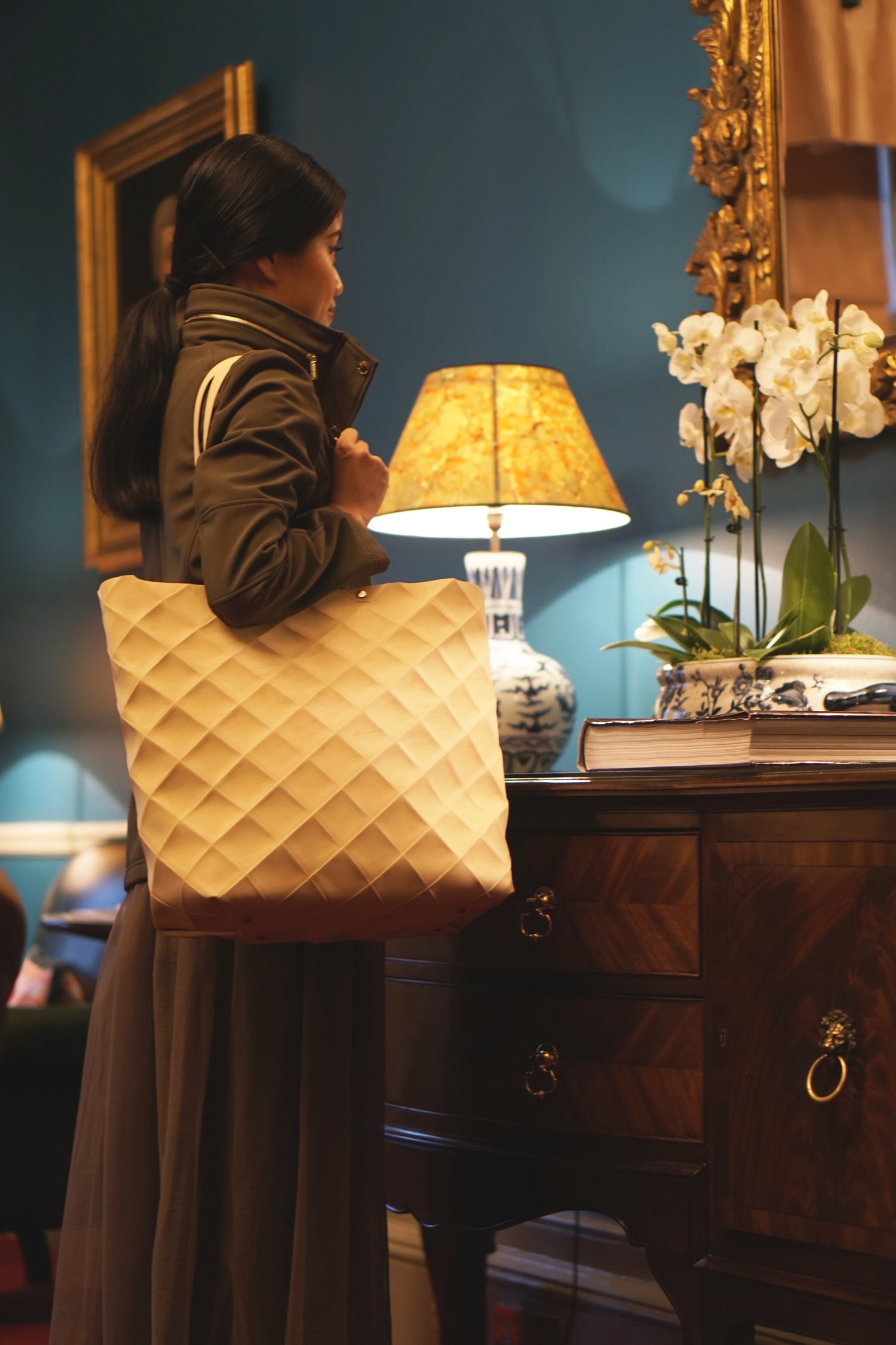 Image of GIANT BAG - ORIGAMI STYLE IN RECYCLED LEATHER