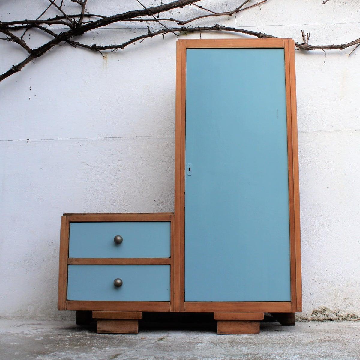 petite armoire biblioth que asym trique fibresendeco. Black Bedroom Furniture Sets. Home Design Ideas