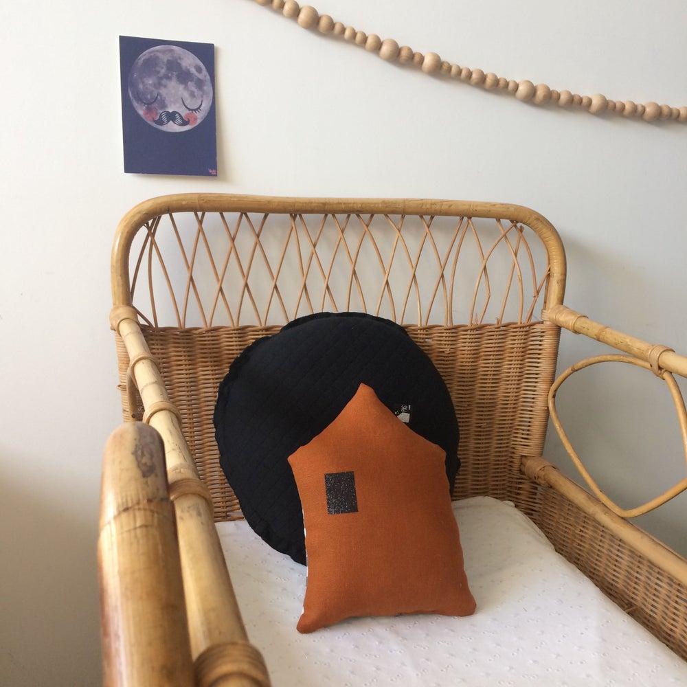 Image of Mini coussin Maison réversible lin et vichy
